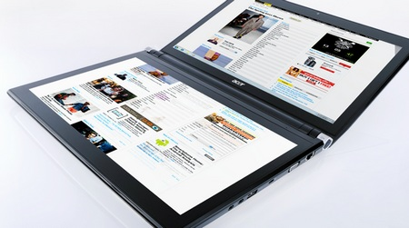Acer ICONIA 6120 Dual-Screen Touchbook 1