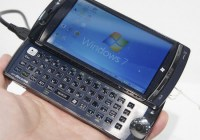 NTT DoCoMo Fujitsu LOOX F-07C Windows 7 Handset live