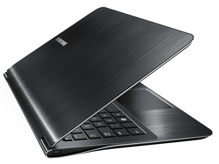 Samsung Series 9 11-inch NP900X1A-A01US notebook 3