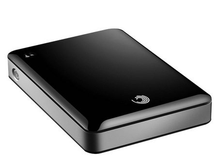 Seagate GoFlex Satellite Mobile Wireless Hard Drive Streams Content to iPad