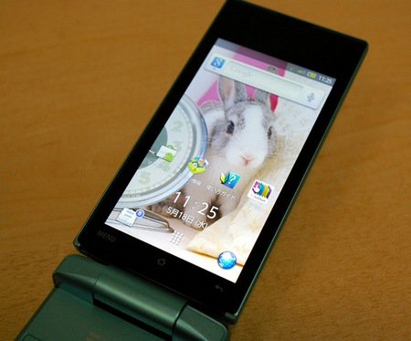 Softbank Sharp 007SH AQUOS PHONE THE HYBRID live screen