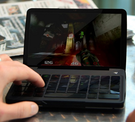 Razer Switchblade Concept Powered by Atom in use