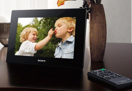 Sony S-Frame DPF-HD1000 Digital Photo Frame supports Full HD Video playback