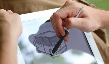 Ten One Design Pogo Sketch Pro Capacitive Touchscreen Stylus in use