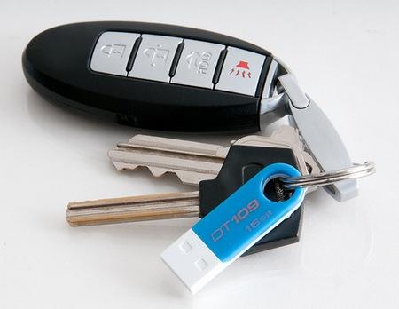 Kingston DataTraveler 109 Stylish USB Flash Drive keyring