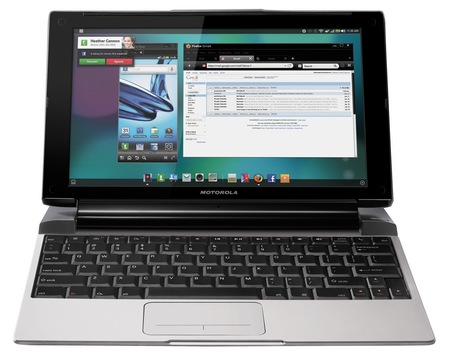 Motorola LAPDOCK 100 Transforms ATRIX 2 and PHOTON 4G into a Netbook