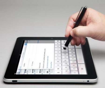 MediaDevil MagicWand Stylus for Capacitive Touchscreen in use