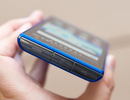Sony Ericsson Xperia arco HD SO-03D Smartphones for NTT DoCoMo hands-on 4