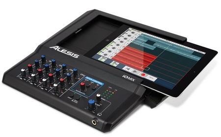 Alesis iO Mix 4-Channel Mixer Recorder for iPad ipad sloting