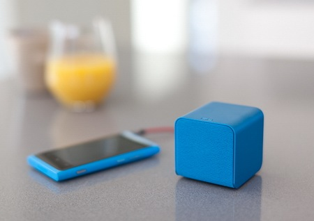 NuForce Cube combines Portable Speaker, Headphones Amplifier and USB DAC blue