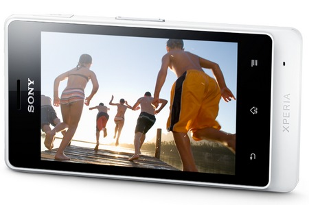 Sony Xperia go Smartphone with IP67 Dust and Water Resistance white