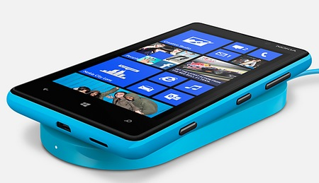 Nokia Lumia 820 Windows Phone 8 Smartphone blue wireless charging