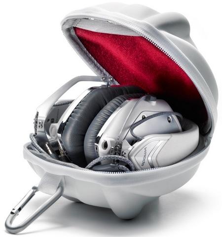 V-Moda Crossfade M-100 Metal Customizable Headphones in case
