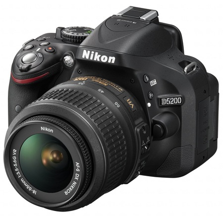 Nikon D5200 Digital SLR Camera with 39-point AF and 24.1 Megapixel Sensor angle 2