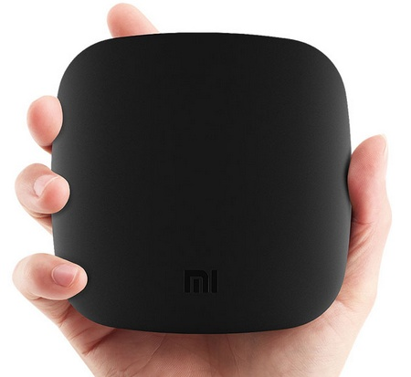 Xiaomi Box Android Streaming Box supports AirPlay, DLNA and Miracast holding