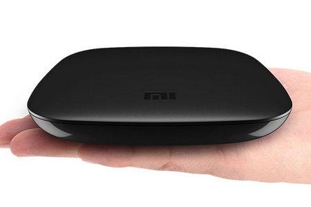 Xiaomi Box Android Streaming Box supports AirPlay, DLNA and Miracast palm