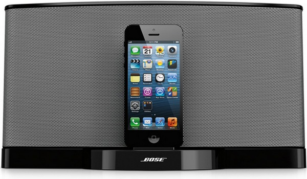 Bose SoundDock Series III Lightning Speaker Dock front