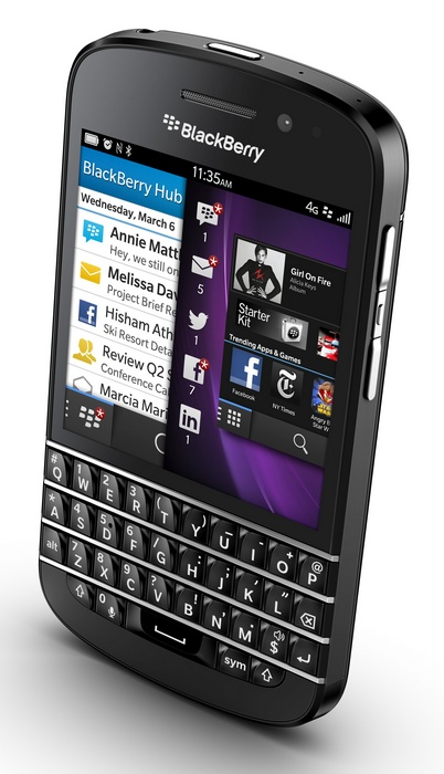 BlackBerry Q10 gets QWERTY Keyboard and 3.1-inch Super AMOLED black angle