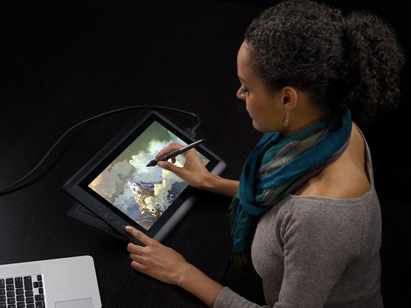Wacom Cintiq 13HD Interactive Pen Display in use 1