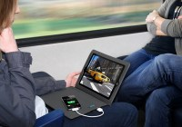 Innovative Technology Justin Two-in-One Power Case for iPad in use