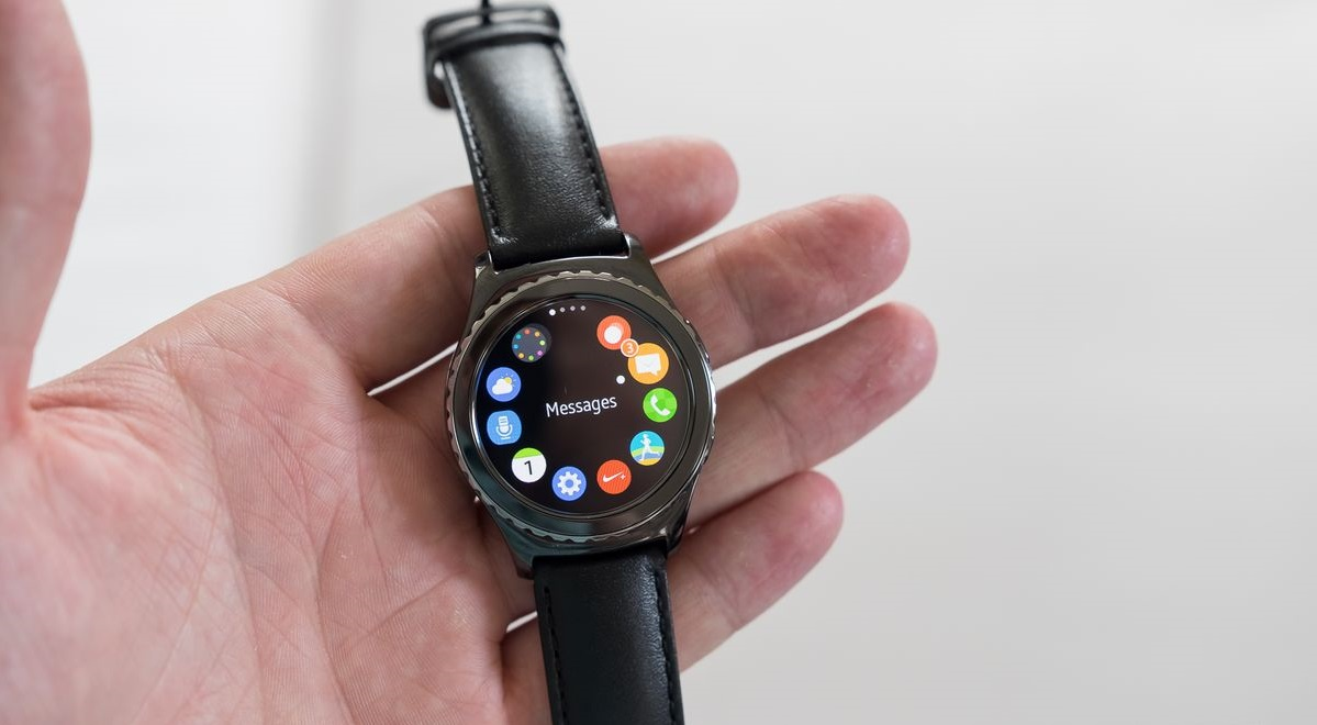 Samsung Gear S2 works with all Android Phones, and it is the Most Beautiful Smartwatch!