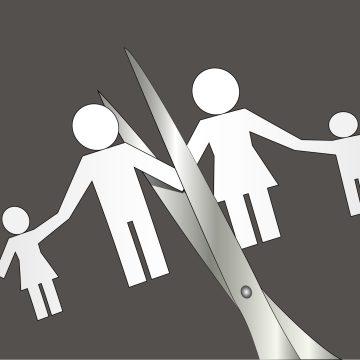 La Agencia de Bienestar Infantil de Illinois les sigue fallando a las familias hispanohablantes