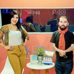 Martín Di Luzio y Karina Vimonte en el estudio de radio