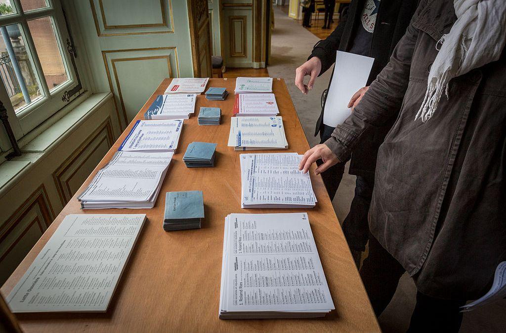 Bulletins de vote sans nom = Bulletins nuls