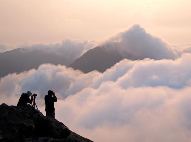 Sea of Clouds at Lantau Peak | 鳳凰山雲海