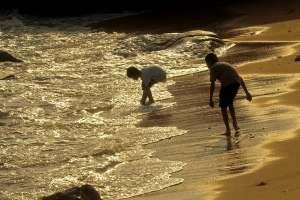 Small Sand Beach in front of Sam Ka Tsuen | 鯉魚門三家村前的小沙灘