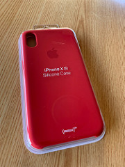 PRODUCTS RED 、Apple純正のシリコンケース