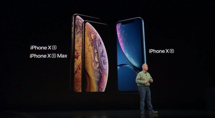 iPhone Xs и Xs Max рядом с Xr