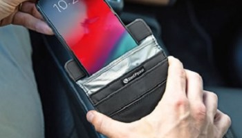 Anti-Hacking-Smartphone-Sleeve