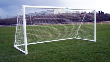 Aluminium Folding Goalposts – Elliptical Free Standing Goals 21′ x 7′
