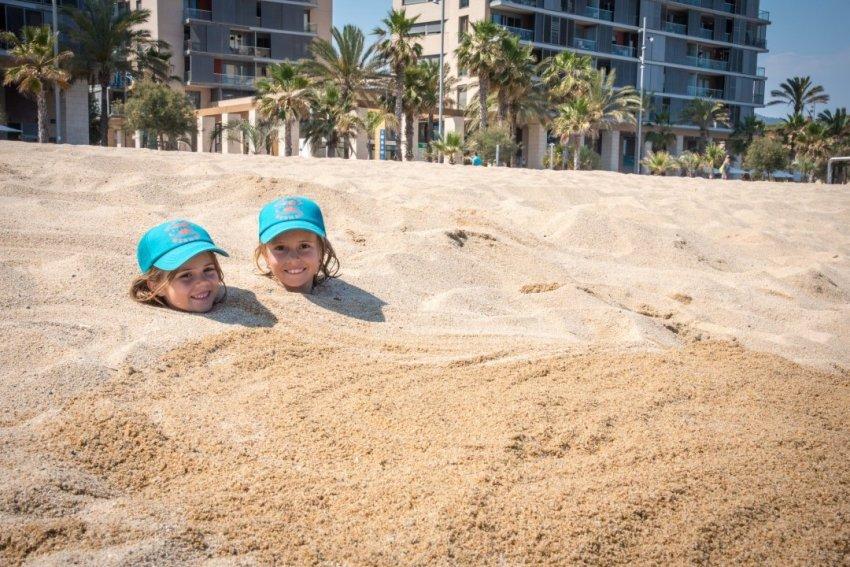 Finding cheap babysitting in Barcelona.