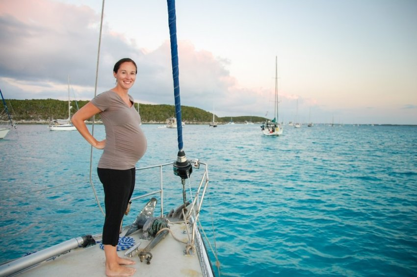 In the Bahamas, pregnant with Ellia