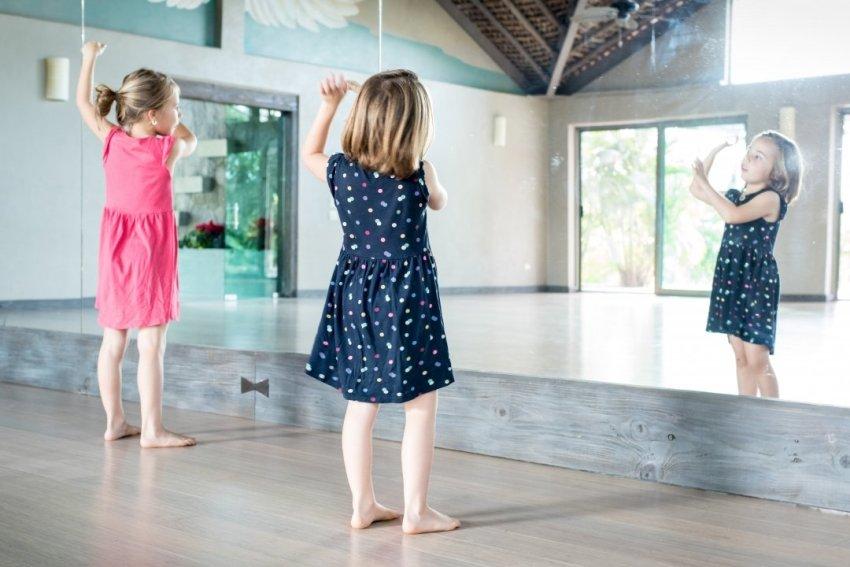 girls practicing Hula