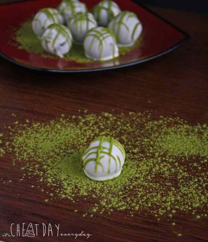 Healthy Matcha Cheesecake Bites, super easy to make and only 73 calories | It's Cheat Day Everyday