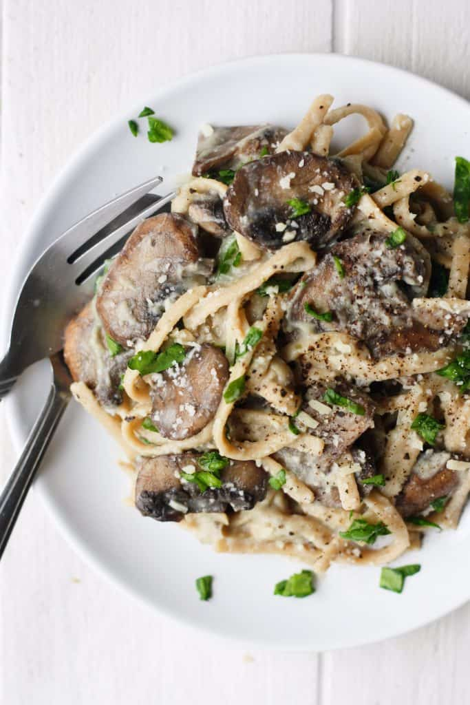 Low calorie spinach mushroom fettucine | It's Cheat Day Everyday