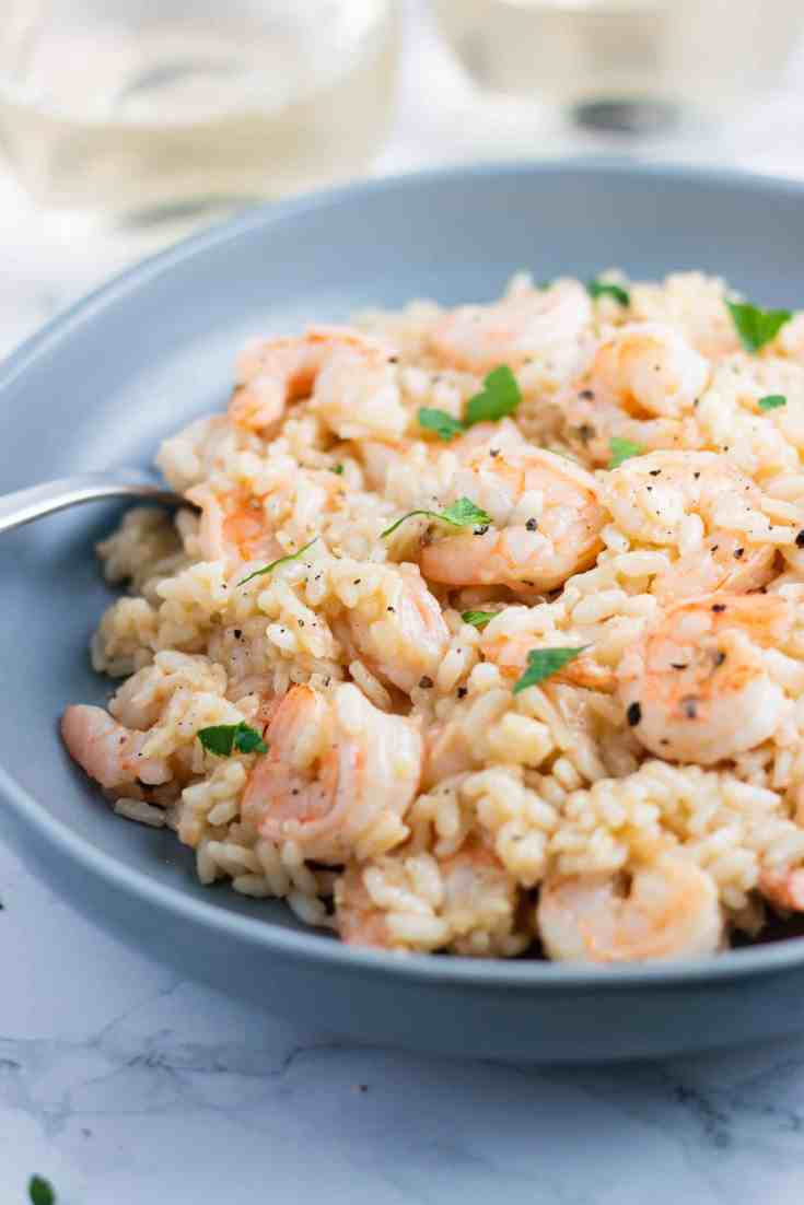 Creamy garlic shrimp risotto recipe. www.itscheatdayeveryday.com