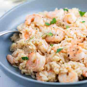Creamy garlic shrimp risotto recipe. www.itscheatdayeveryday.com