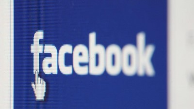 Facebook deals with messaging flaw