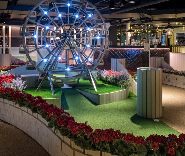 Swingers The Crazy Golf Club Lands On Oxford Street In The Old Bhs With An