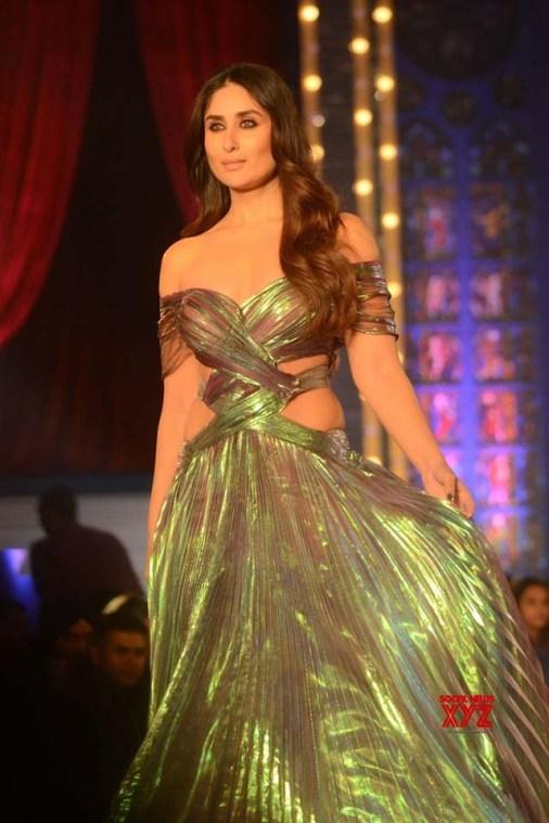 Monisha-Jaising-Lakme-Fashion-Week-Collection-10