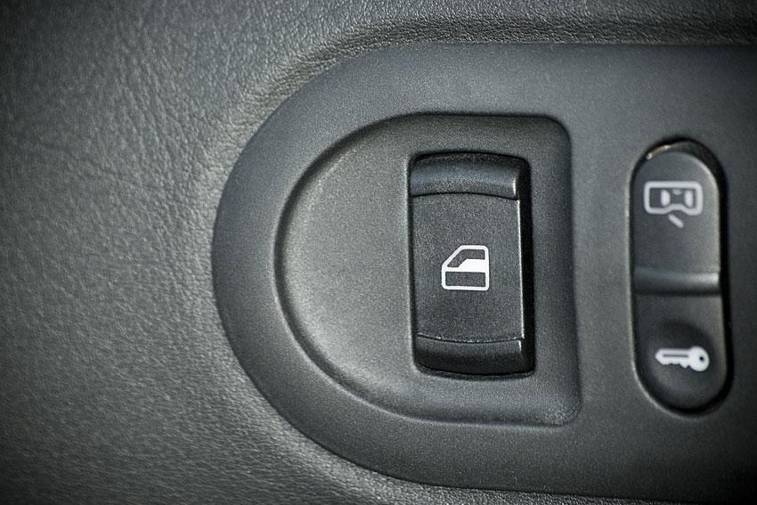 car-jacking-tips-09