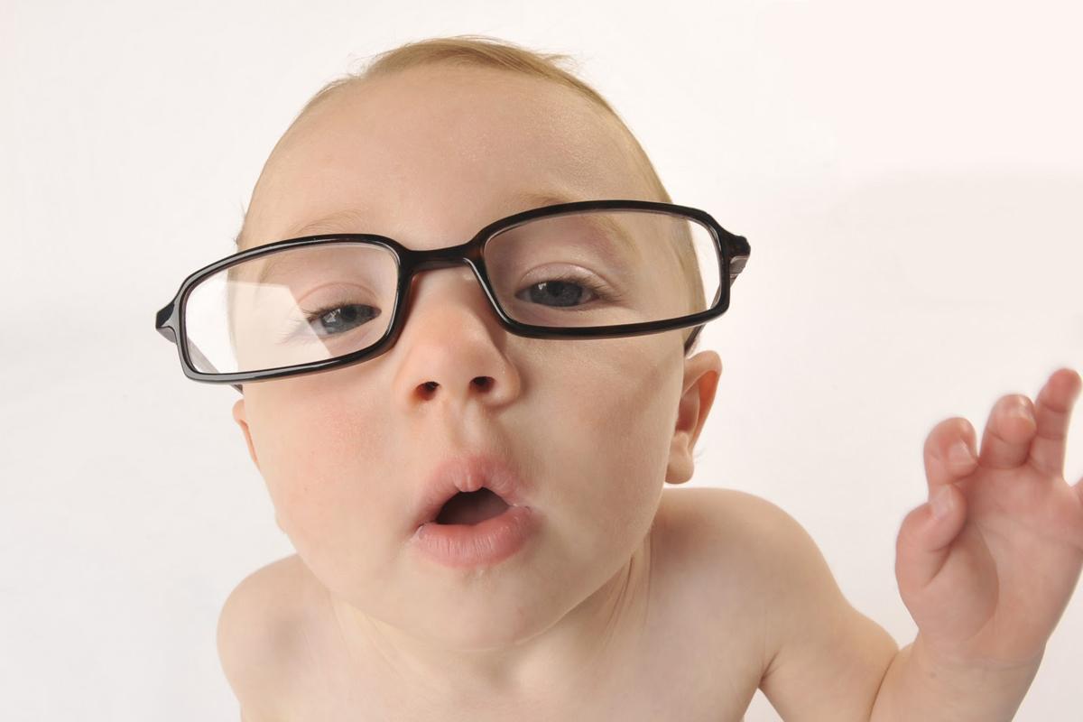 Cum se dezvolta vederea la bebelusi