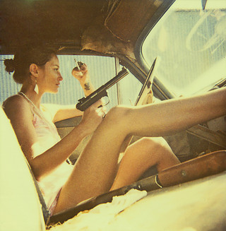 car,gun,legs,light,photography,retro,woman-71fa5d6ac2a33cfa6bba19877fa2dd37_i