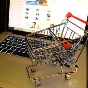 """5 เว็บขายของออนไลน์ ที่ทำให้ช้อปอย่างสมาร์ท ได้ """"ของแท้-ราคาถูก"""" 26 - acommerce"""