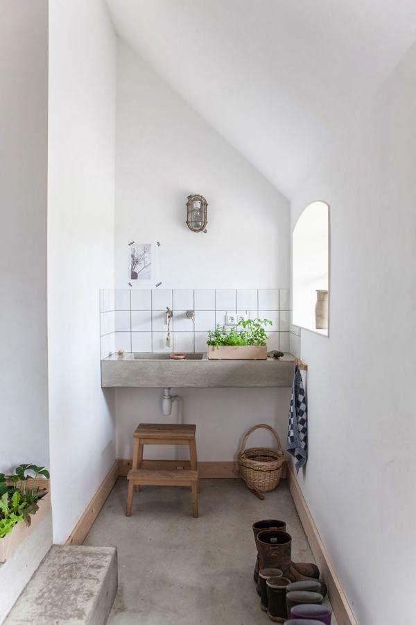 small bathroom5