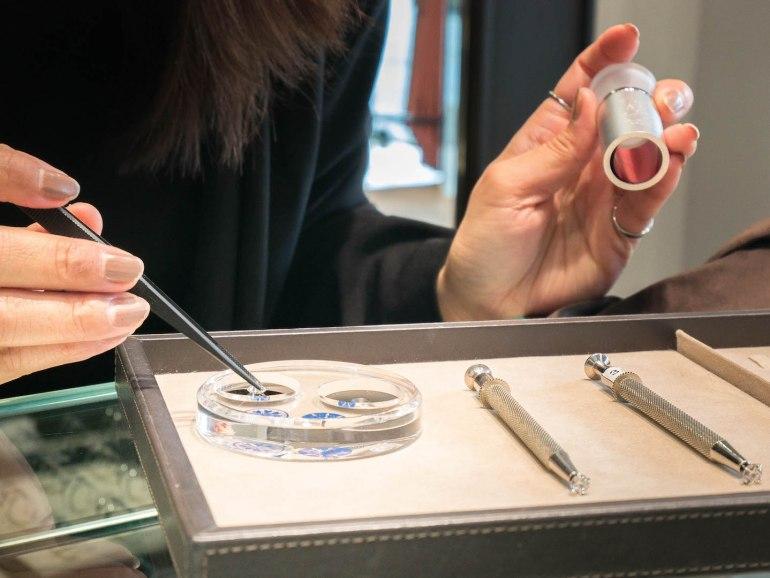10 วิธีเลือกซื้อแหวนเพชร แหวนแต่งงาน ที่ต้องทำการบ้านก่อนไปร้านเพชร 35 - Ananta Fine Jewelry (อนันทา จิวเวลรี่)